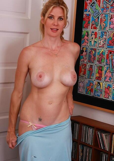 Undressing Milf Pics