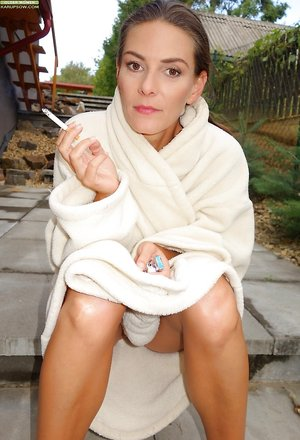 Smoking Fetish Milf Pics