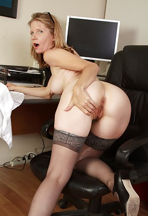 Milf Secretary Pics