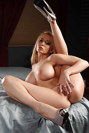 Masturbating Mom Pics
