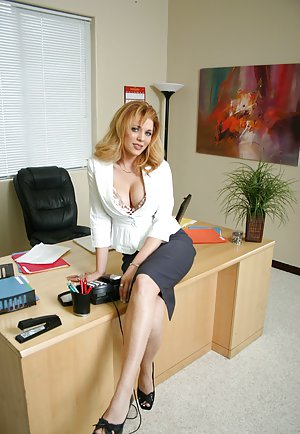 Milf Sex in Office Pics
