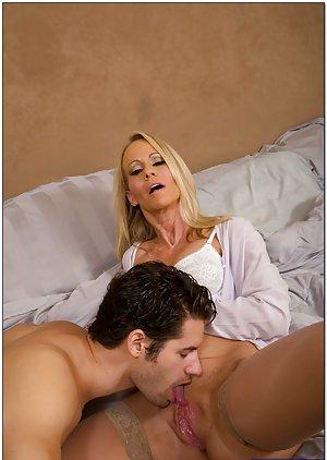 Mom Pussy Licking Pics