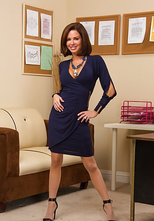 Milf Sex in Office Pics