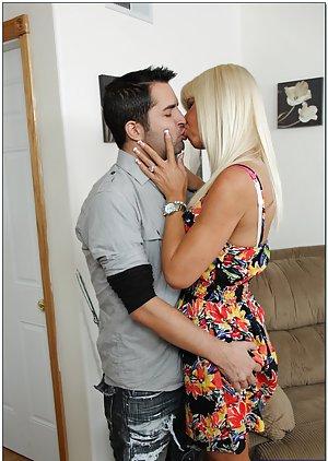 Kissing Milf Pics