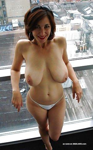 Saggy Tits Milf Pics