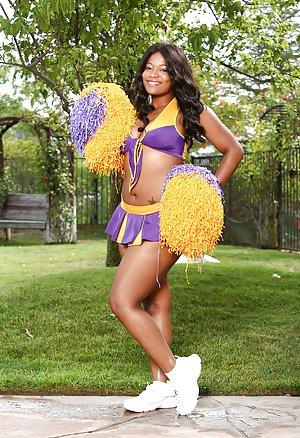 Milf Cheerleader Pics